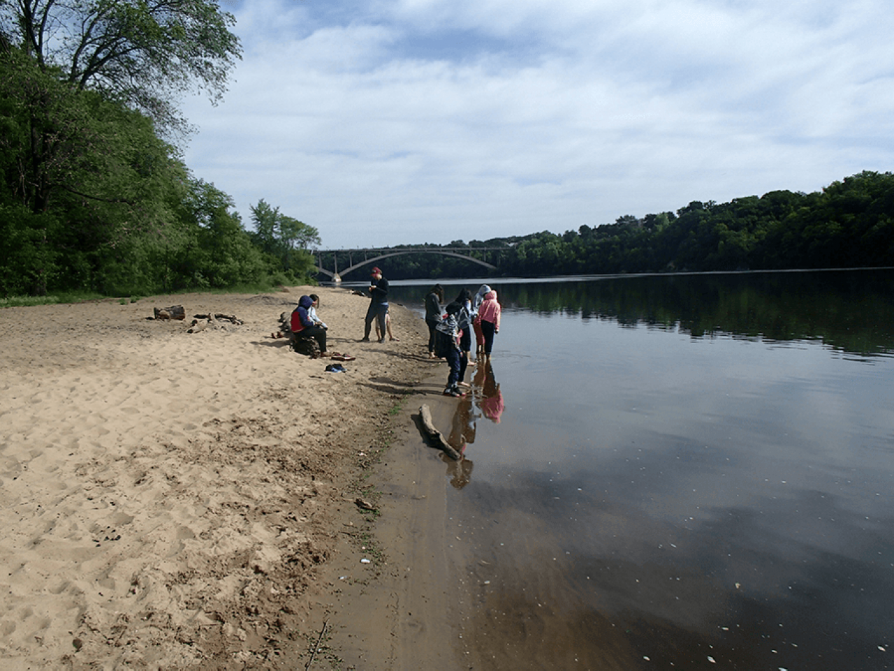 Students enjoy the Mississippi River as it flows through the Minneapolis and St. Paul river gorge